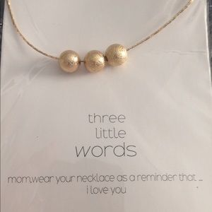 Beautiful gold ball necklace 20 inch